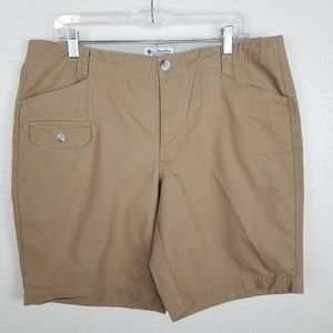 Columbia Tan Khaki Shorts Size 14